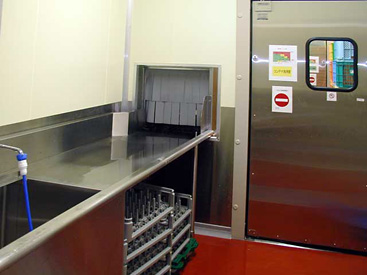 コンテナ洗浄室